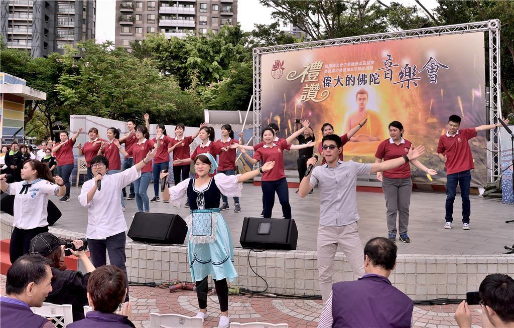 0506佛光青年為慶典增添熱情與歡樂